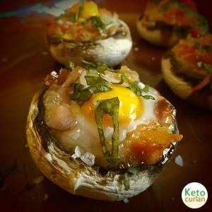 Reeceta de cocina cetogénica Mediterránea de Nidos de Huevo de Codorniz